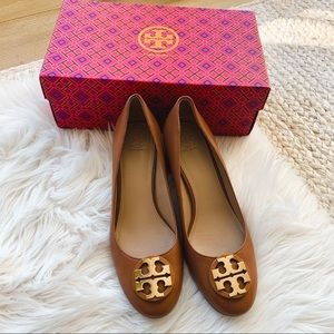 New Tory Burch Brown Leather Heels